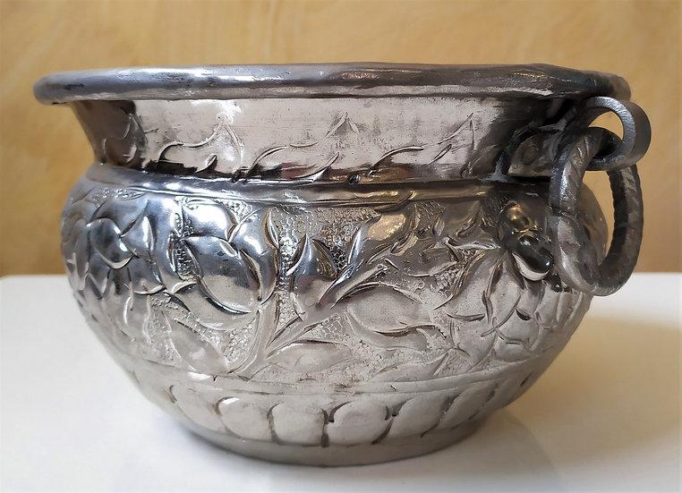 Bacile in ottone argentato sbalzato a mano Ø 25 cm - XX sec.
