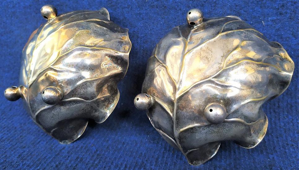 Coppia di ciotoline a foglia di cavolo in ottone argentato - Italia XX sec.