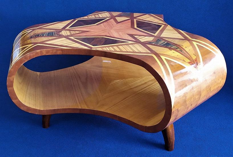 Grande tavolino da salotto design trilobato in radiche policrome