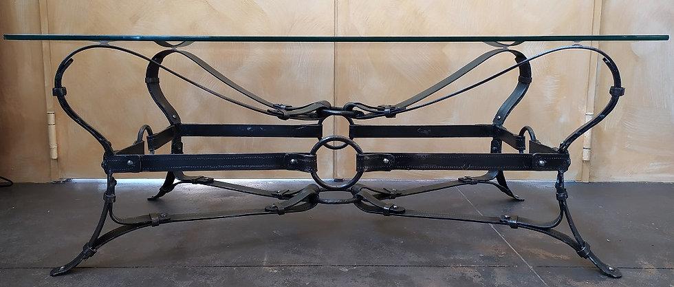 Tavolino rettang. design a cinghie in ferro battuto - top vetro