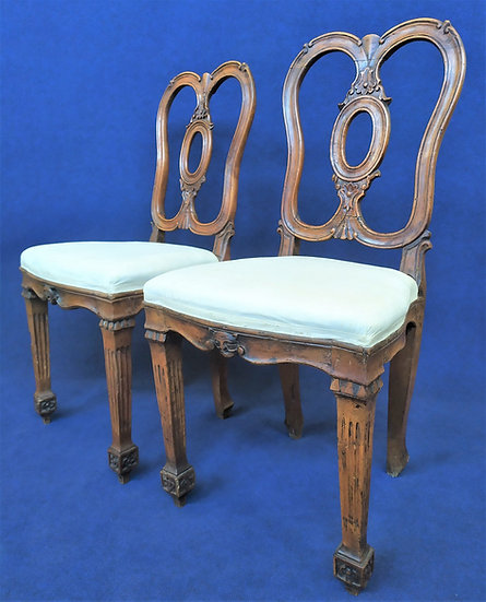 Coppia di sedie Luigi XVI in noce - Italia XVIII secolo