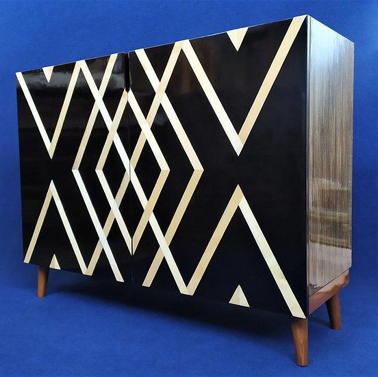 Credenza Design 2 ante in legno laccato nero e radica