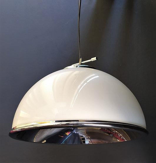 Lampadario a cupola in vetro opaline e acciaio - Italia anni '60 '70