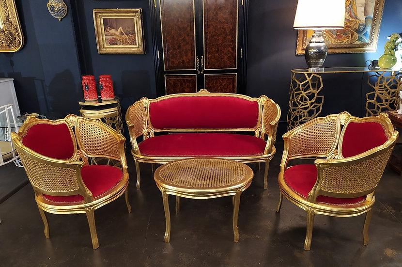 Salotto in legno dorato e velluto rosso