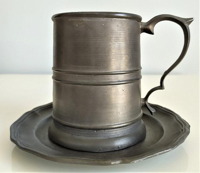 Antico boccale con piatto in peltro - Inghilterra XIX sec.