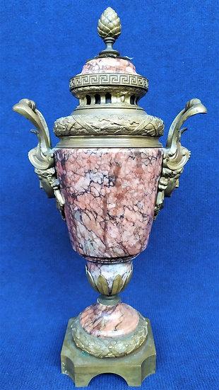 Vaso in marmo rosa e bronzo dorato - Francia XIX sec.