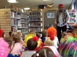 Alan Barratt - storyteller in Blythe library.jpg