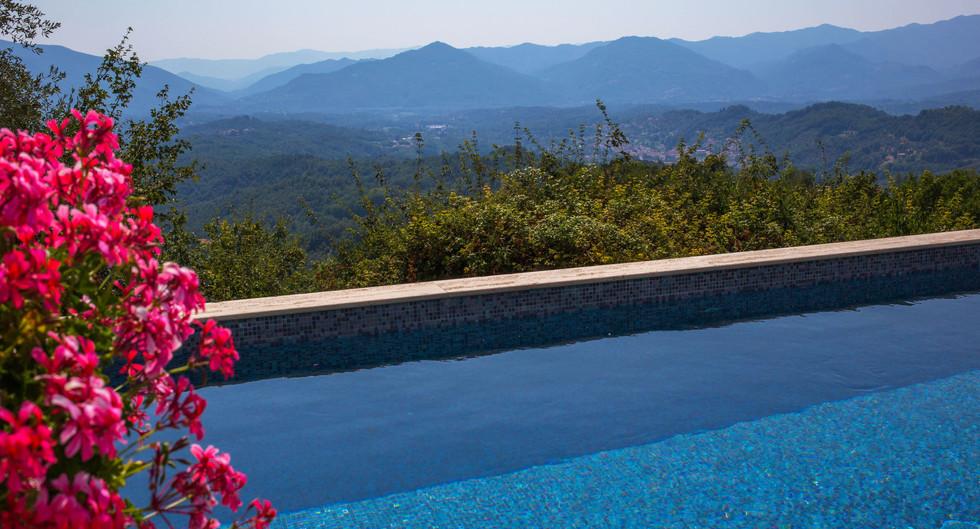 Swimming pool_3324 bassa risoluzione.jpg