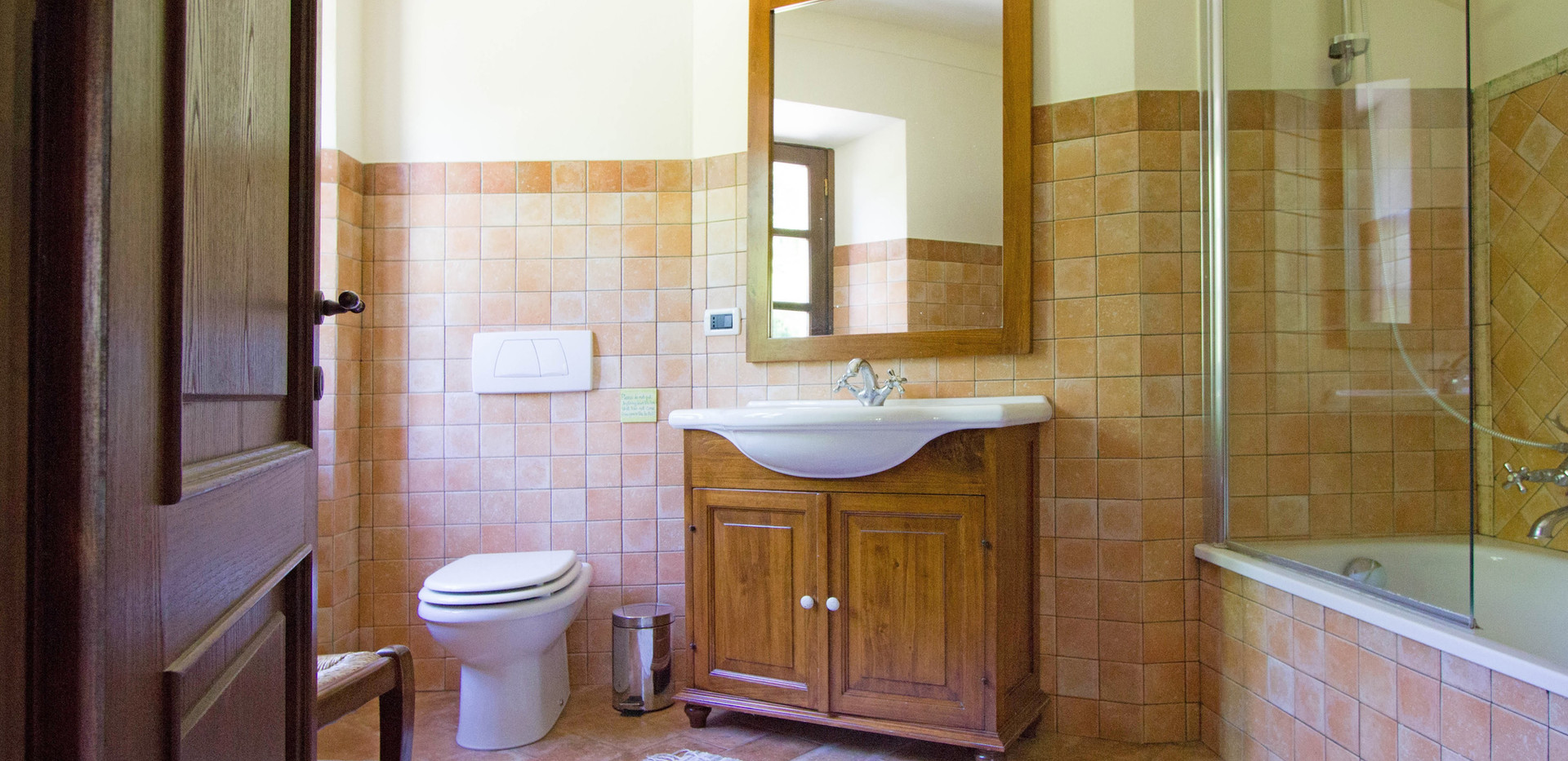 Bathroom House 23.jpg