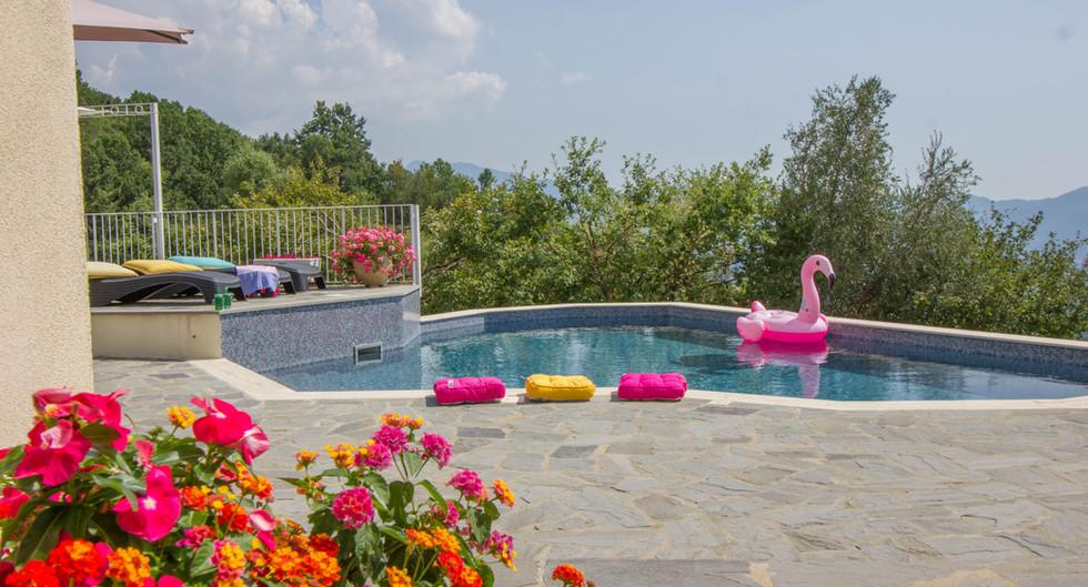 Swimming pool_5406 bassa risoluzione.jpg