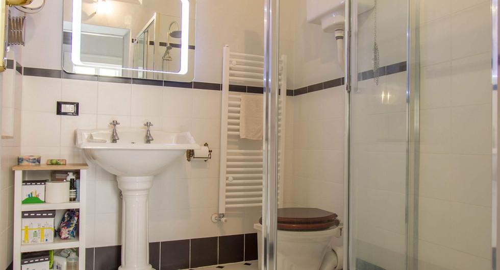 Lo scultore - Pontremoli - 2° Bathroom0.