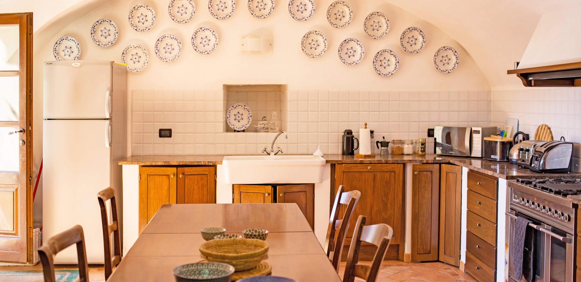 Kitchen House 2 1.jpg