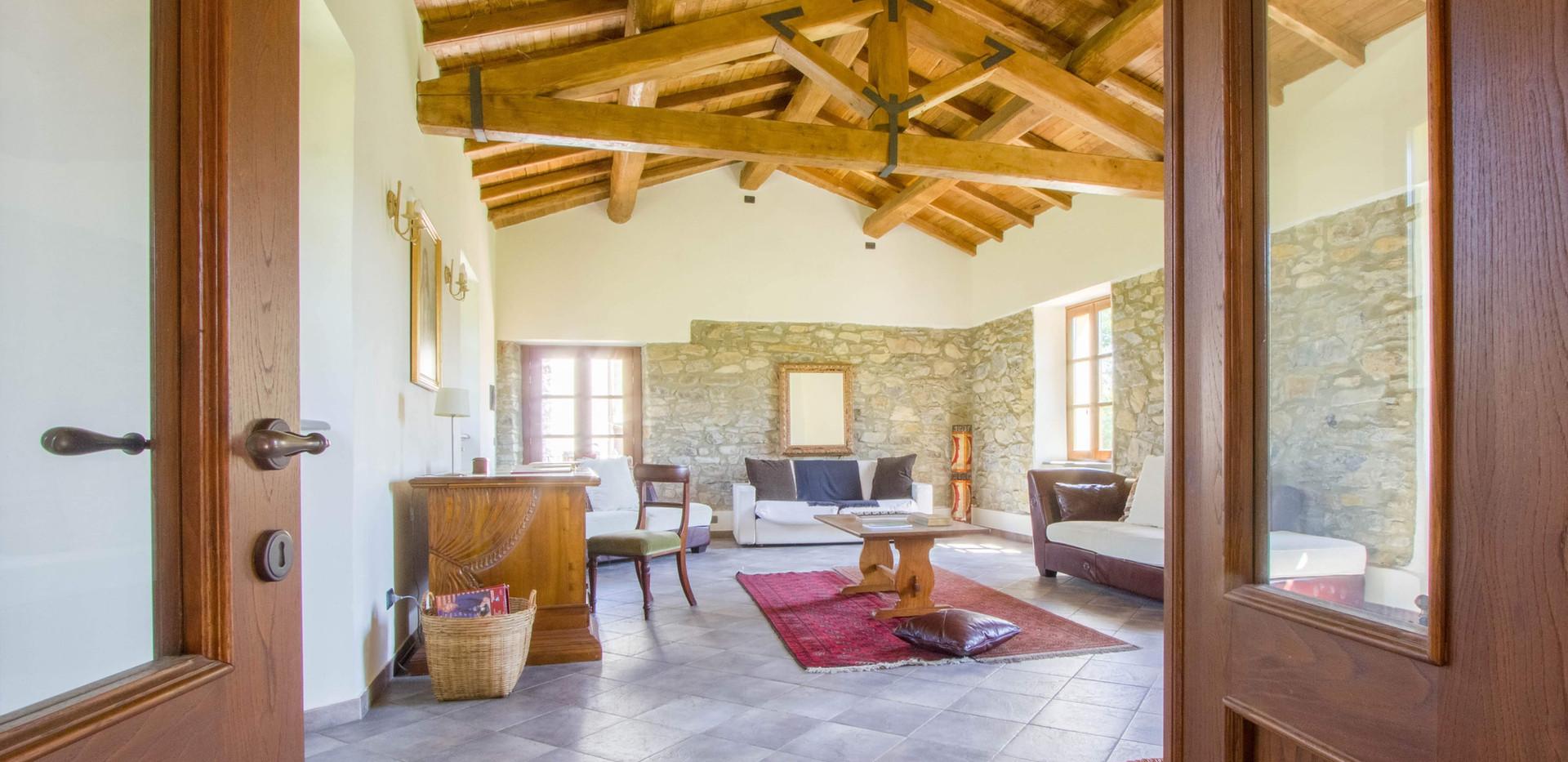 Living Room3.jpg