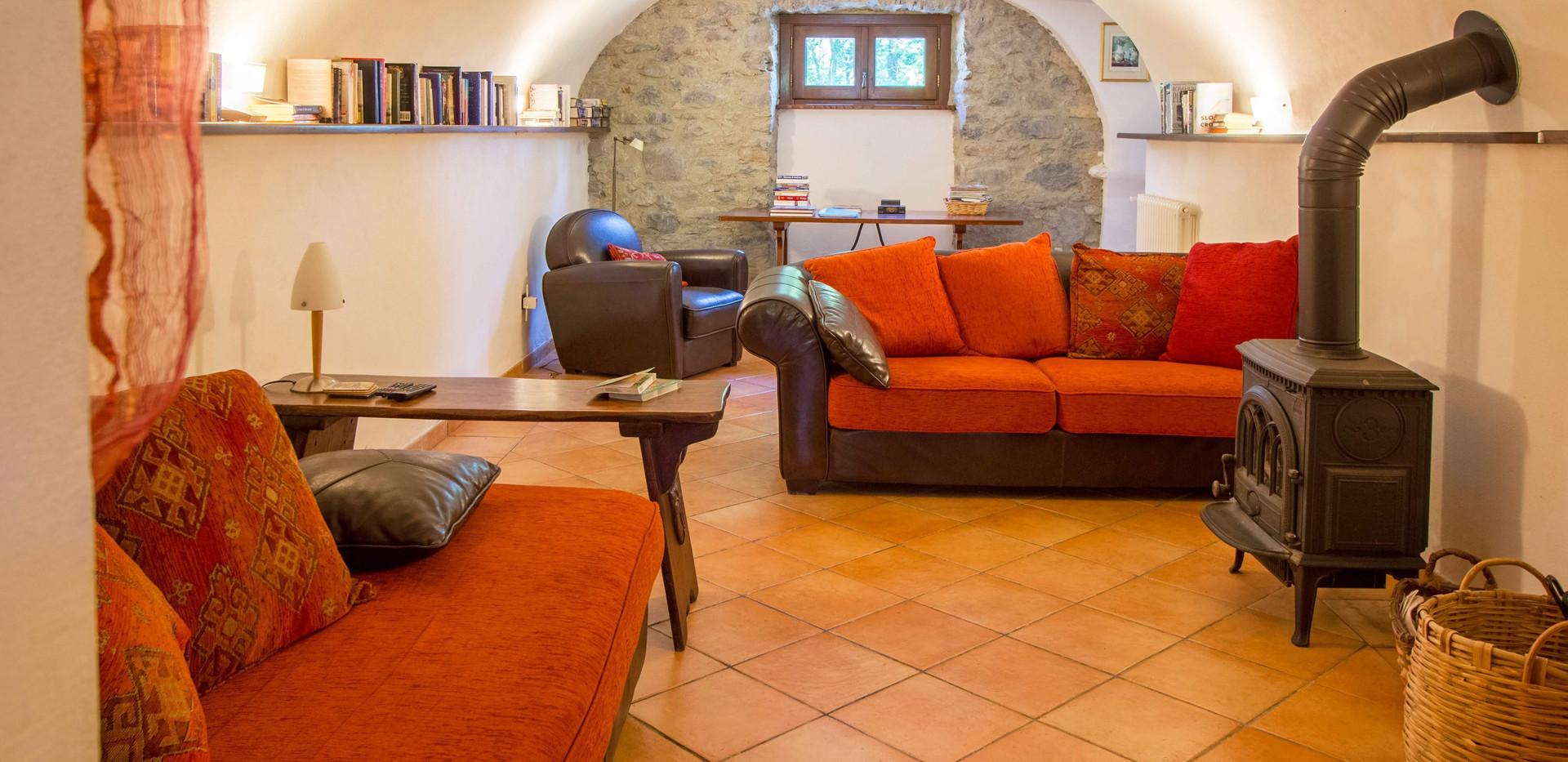 Living room House 2 2.jpg