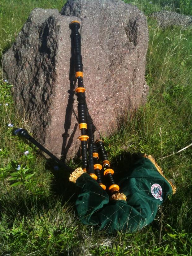 Donald's bagpipe Cape Spear 2010