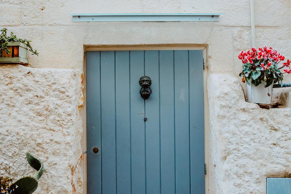 blue door ostuni