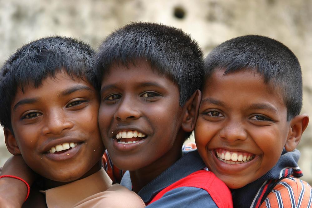 sri_lanka_children_smiling