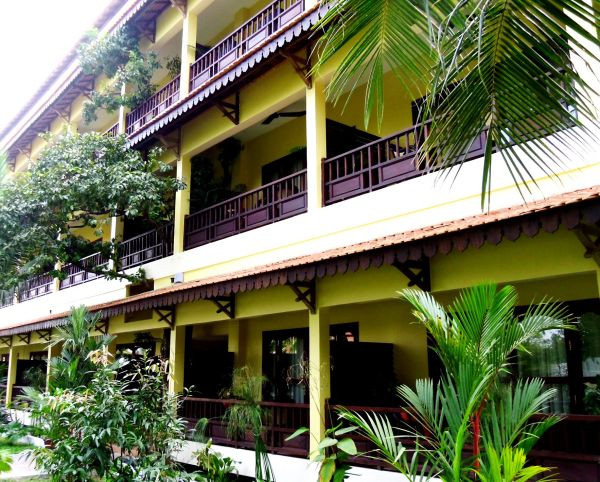 Angkor_Heritage_Boutique_Hotel,_Siem_Reap,_Cambodia