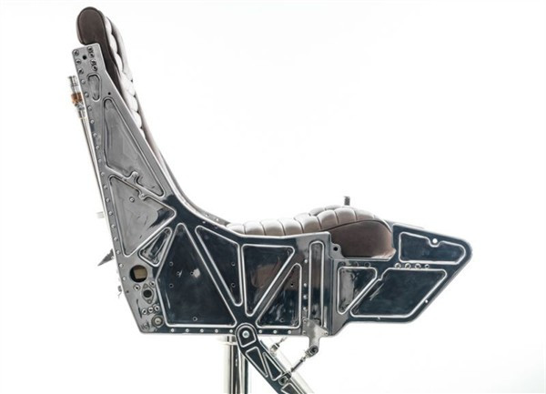 mayday-mayday-hangar-54s-ejector-seat-bar-stool_6