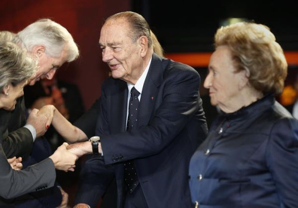 """Former French President Chirac and his wife Bernadette arrive attend the award ceremony for the """"Prix de la Fondation Chirac"""" at the Musee du Quai Branly in Paris"""