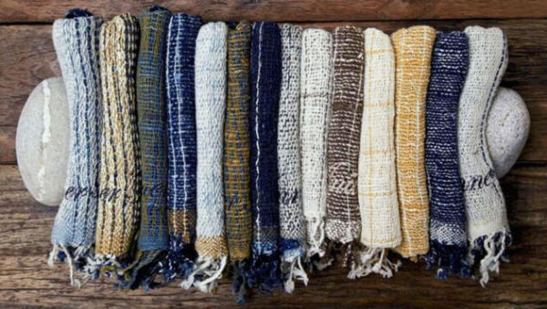 hand-woven-scarves-made-in-thailand-woven-scarves-by-apoccas