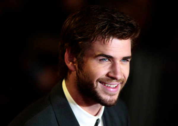 """Actor Hemsworth arrives for the world premiere of """"The Hunger Games : Catching Fire"""" at Leicester Square in London"""