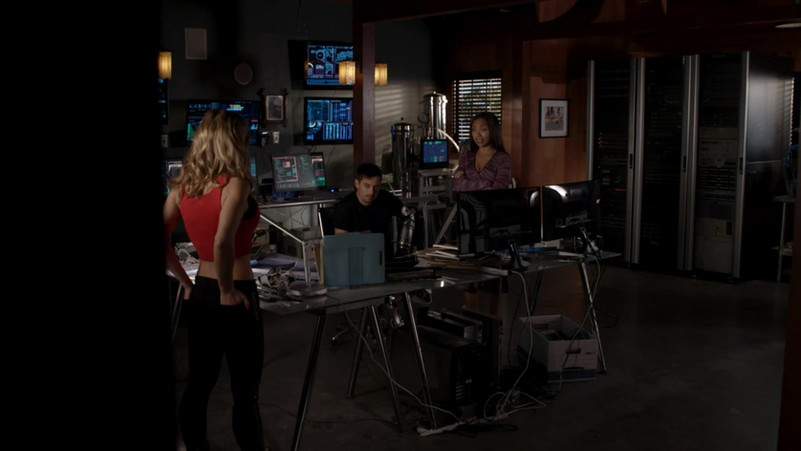 Powers-2015-Season-2-Episode-7-24-e190.j
