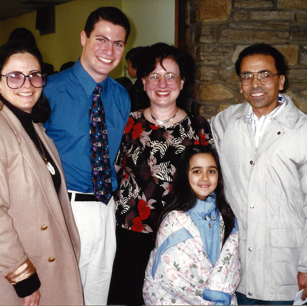 Bonnie with students Dror Yuravlivker & Neena Satija & parents