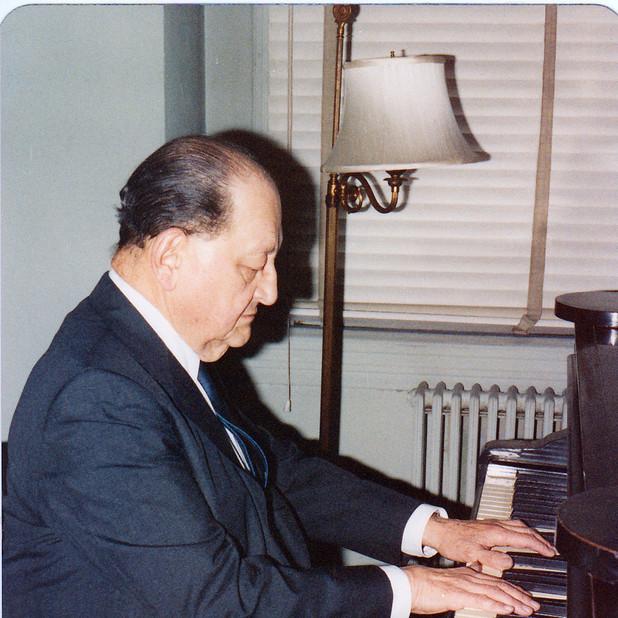 Alexander Lipsky