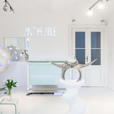 Antipearle showroom
