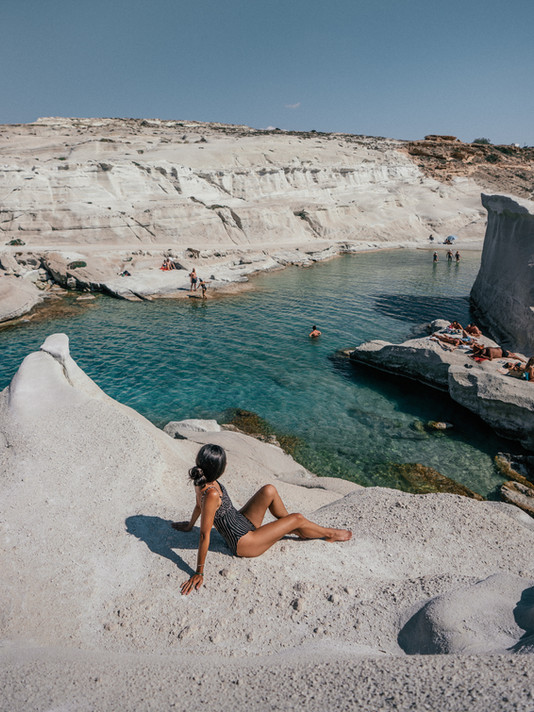 4 DAYS ON MILOS: TRAVEL GUIDE + ITINERARY