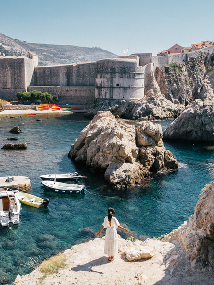A COMPLETE TRAVEL GUIDE TO DUBROVNIK, CROATIA