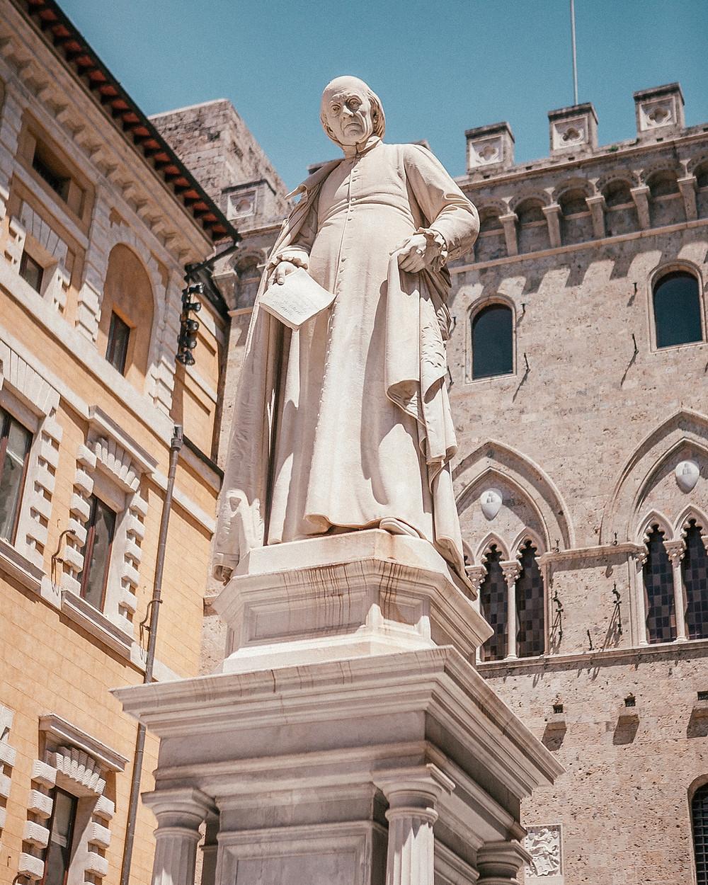 Piazza Salimbeni, Siena, Italy
