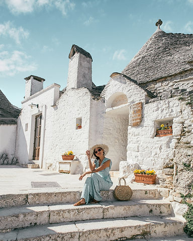 Alberobello_Puglia_Italy_2.jpg