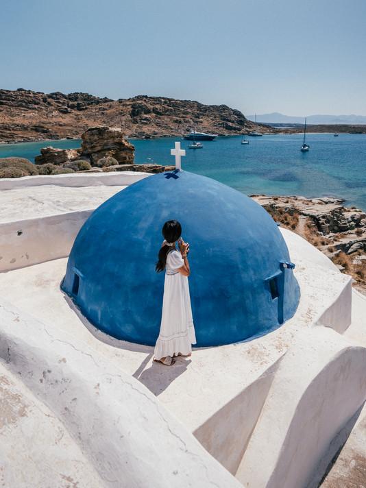 A TRAVEL GUIDE TO PAROS, GREECE