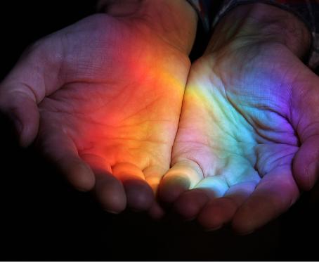 Como as marcas de luxo celebram o Mês do Orgulho LGBTQIA+