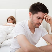 couple-in-bed-390x285.jpg
