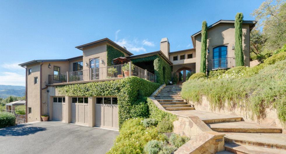 Oakwood Lane Residence
