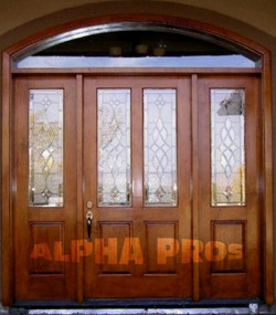 Single door with the sidelights