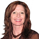 Renee Headshot white (2)_edited.jpg