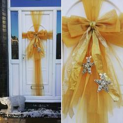 Hello Mr Polar Bear! I think he approves of our door bow 🐾❤🎀 #doorbowsliverpool #doorbow #doorbows