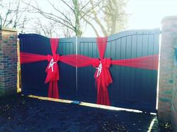 Double gate bows ❤_#doorbowsliverpool #doorbow #doorbows #reddoorbow #redChristmas #liverpoolchristm