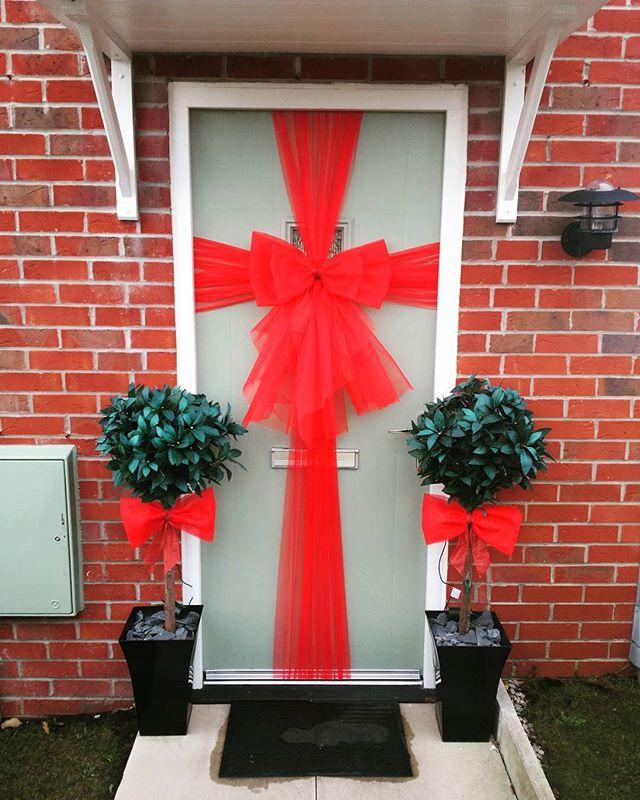 Classic red double bow ❤ £25 including installation ❤__#doorbowsliverpool #doorbow #doorbows #reddoo