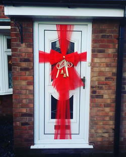 Red & gold with Merry Christmas sign and glittery jingle bells 🔔🔔🔔_#doorbowsliverpool #doorbow #d