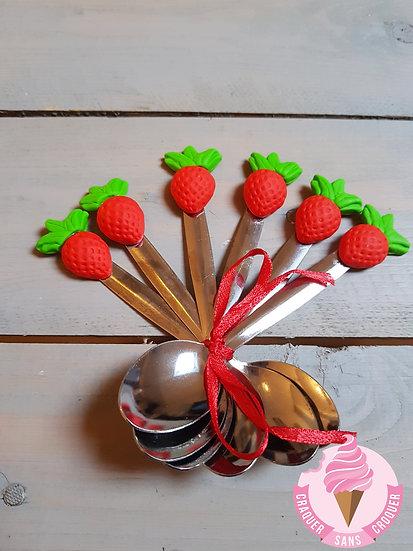 Une cuillère fraise