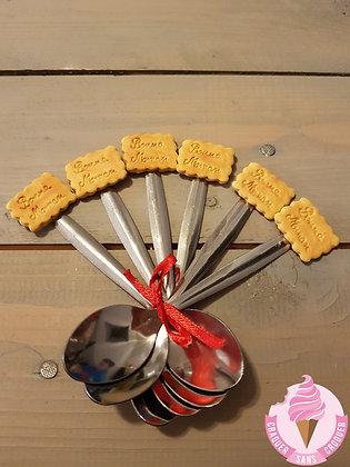Une cuillère biscuit