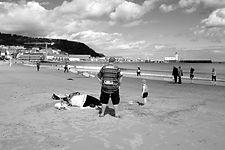 2018-UK-Scarborough-HOMME SUR LA PLAGE-O