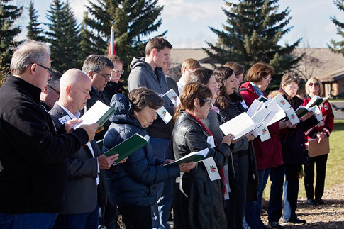 "Latter Day Saints Choir sings ""O Canada"""