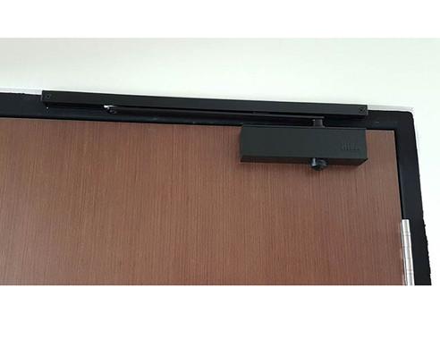 NIKA 983 Door Closer with Slide Arm (Black)