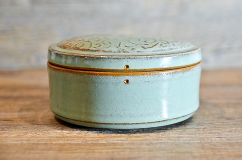 Handmade ceramic jewllery / accessories box by Miller's Pottery Australia